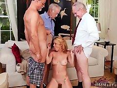 Frannkie And The Gang Tag Team A Door To Door Saleswoman - Raylin Ann