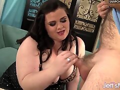 Seductive BBW Holly Jayde Serves Up Her Pussy for a Guy to Lick and Fuck