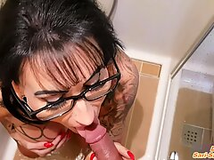 PRIVATE DEUTSCHE MILF IM URLAUB - german big tits tattoo mom holiday piss and fuck sextape