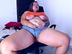 Big Pussy Eats Cuf Offs